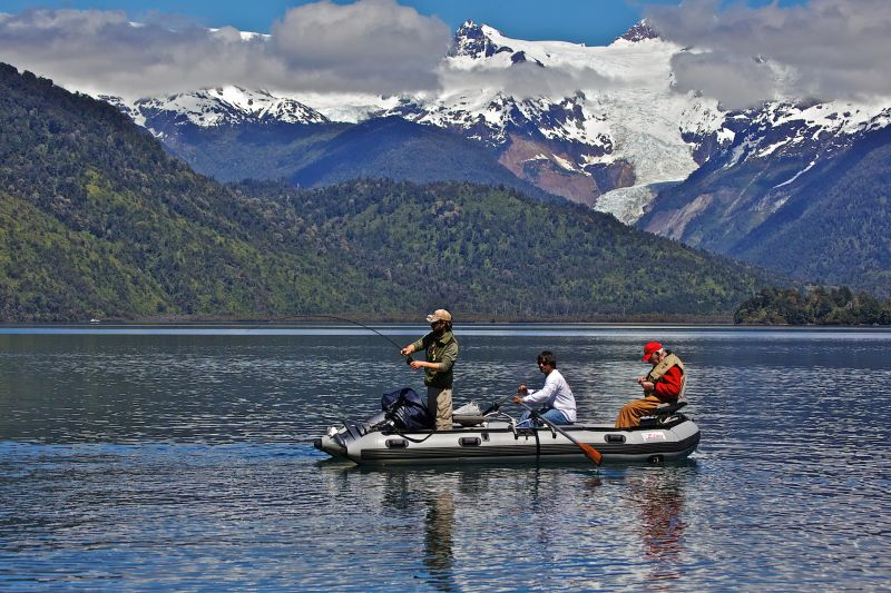 Contact us patagonia chile fishing puma mothership lodge for Fishing resorts near me